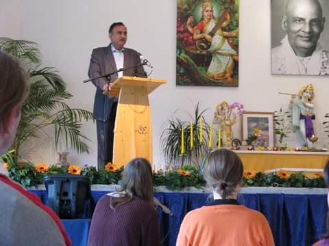 Dr. Dipankar Sakar, indischer Botschaftsrat