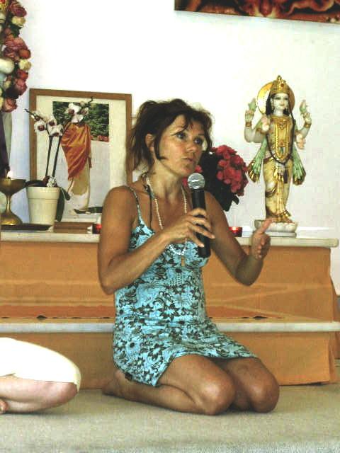 Lalita, Kinderyoga Übungsleiter Ausbilderin und Kinderyoga Seminarleiterin bei Yoga Vidya