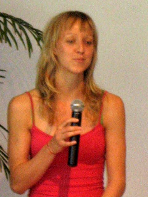 Sabine von Yoga Vidya Austria, Kinderyoga Übungsleiter Ausbilderin