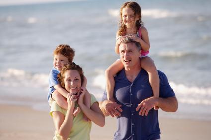 Yoga Familie an der Nordsee
