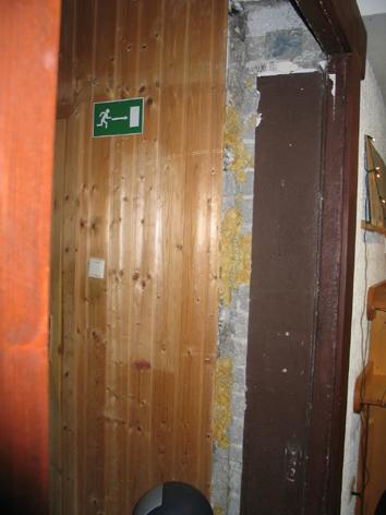 die alte Haustür entfernt