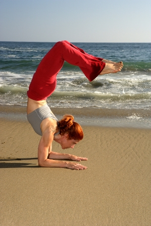 Yoga Asana am Strand an der Nordsee