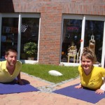 Yoga vor der Yoga Boutique