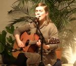 Janin Devi singt Ad Gurenamay