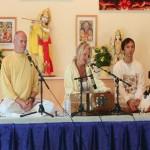 Klangyogastunde mit Gopiji, Atmaram, Tara und Aspen