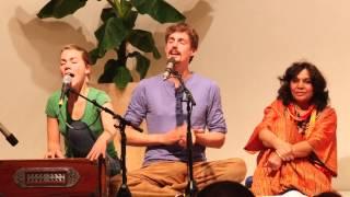 Maha Mantra Kirtan mit Janin Devi und Kai