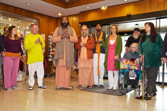 Swami Guru-sharanananda