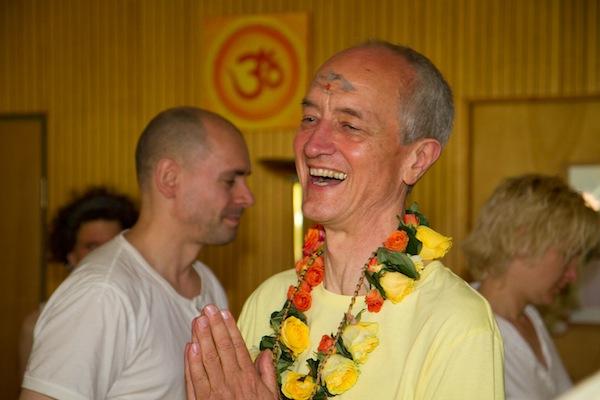 http://www.wiki.yoga-vidya.de/Brahmacarya