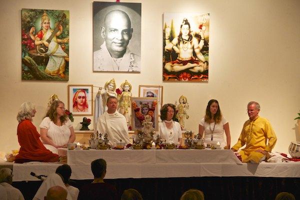 Puja zu Krishna Jayanti
