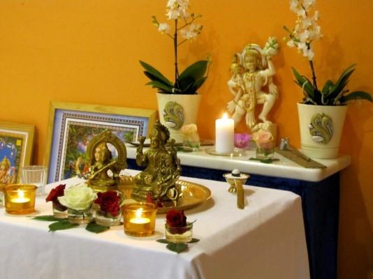 mantra, Puja, murti