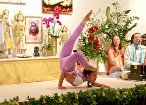 Yogademonstration auf dem Europäischen Yoga Kongress