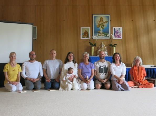 Jubilare bei Yoga Vidya Bad Meinberg im Mai 2015