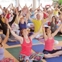 crowd-Yogapraxis-gemeinsam