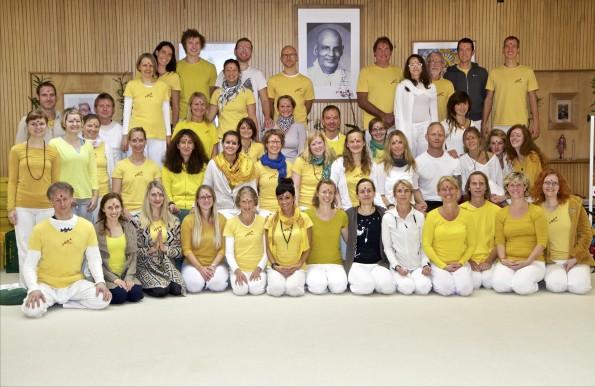 Abschlussfoto Yogalehrer Ausbildung