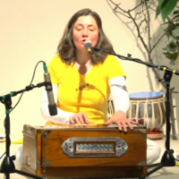 Bhajo Radhe Krishna gesungen von Katyayani