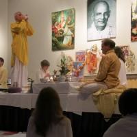 Eröffnung der großen Abend-Puja