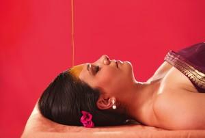 0HS_Ayur-Lakshmi-Shirodhara1-kl-pink