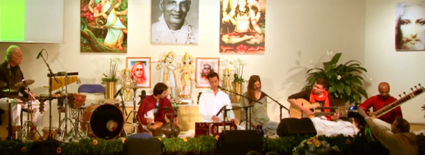 Sundaram und Band - Om Bhagavan - Yoga Vidya Musikfestival 2015