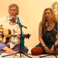 Harry und Birgit singen Ramachandra