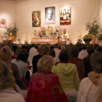 Satsang feiern ist wichtig im Hinduismus