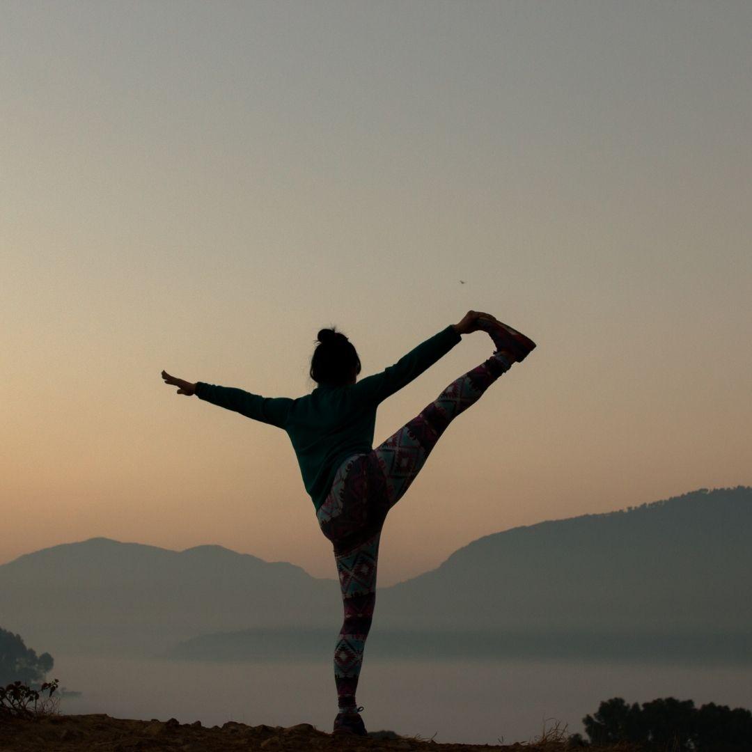 Instagram Posen können wirklich gut aussehen, wenn man etwas mehr Yoga übt.