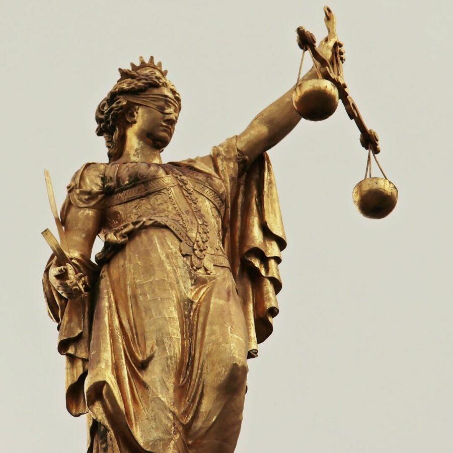 Rechtigkeit ist ein wichtiger Teil von Asteya.