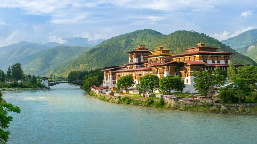 """""""Pungtang-Dechen-Photrang-Dzong"""" buddhistische Klosterburg in Bhutan"""