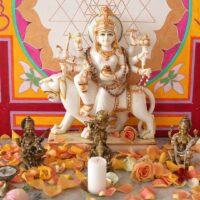 Yoga Altar von Durga